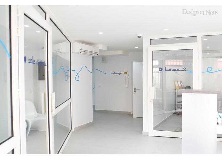 des id es de d corations en signal tique pour les centres m dicaux et les bureaux. Black Bedroom Furniture Sets. Home Design Ideas