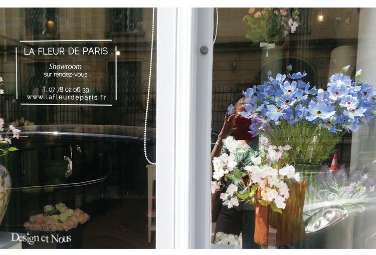 affichez sur vos vitrines de magasins votre logo et vos horaires d 39 ouverture. Black Bedroom Furniture Sets. Home Design Ideas