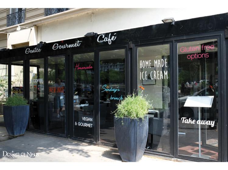 restaurant cafe vitrine vitrophanie commerce sur mesure à personnaliser pas cher vinyle